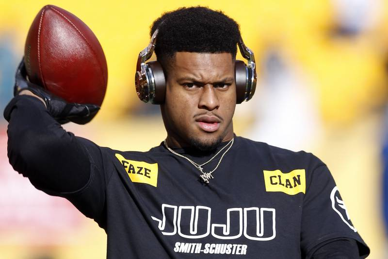 1fd92be39 JuJu Smith-Schuster Campaigns for LeBron James to Join Steelers on Twitter