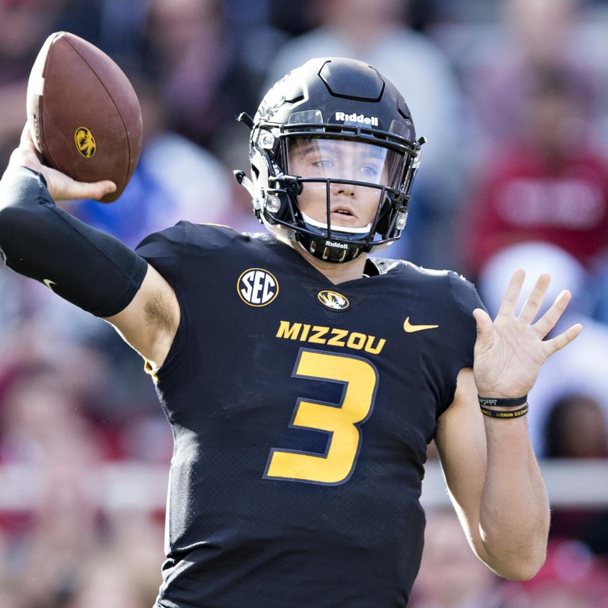 Best Quarterback Prospects 2019 A Way Too Early Look at the Potential 2019 NFL Draft QB Class