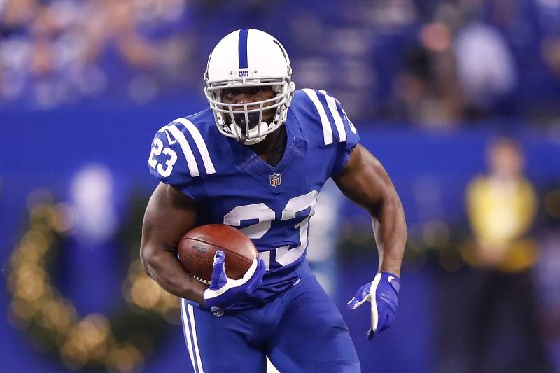 INDIANAPOLIS, IN - DECEMBER 14:  Frank Gore #23 of the Indianapolis Colts runs with the ball against the Denver Broncos during the first half at Lucas Oil Stadium on December 14, 2017 in Indianapolis, Indiana.  (Photo by Andy Lyons/Getty Images)