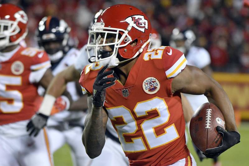 half off 402a2 a7b7f Marcus Peters' 5th-Year Contract Option Exercised by Rams ...