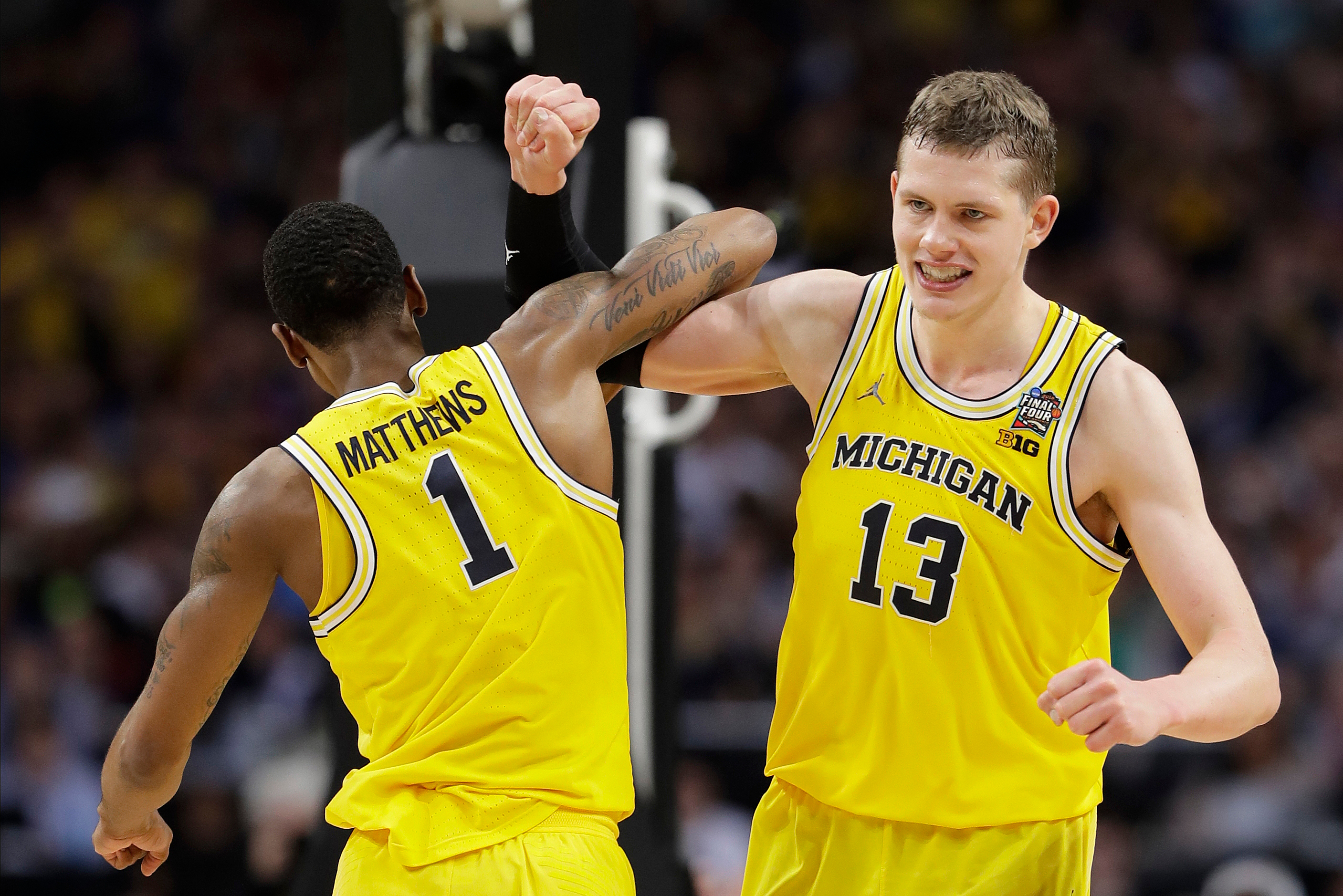 best loved d708f 51443 Michigan Beats Loyola-Chicago in Final Four to Advance to ...
