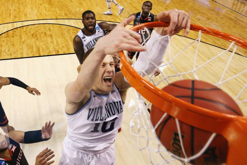 eb92ba8deee Donte DiVincenzo, Villanova Crush Michigan to Win 3rd Ever NCAA Championship