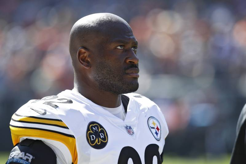CHICAGO, IL - SEPTEMBER 24: James Harrison #92 of the Pittsburgh Steelers looks on during a game against the Chicago Bears at Soldier Field on September 24, 2017 in Chicago, Illinois. The Bears won 23-17 in overtime. (Photo by Joe Robbins/Getty Images)