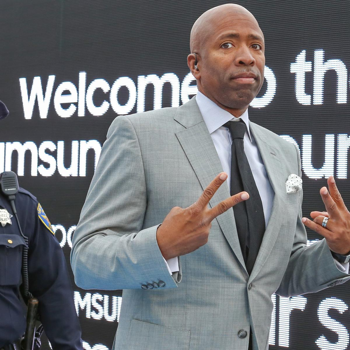 Knicks HC Rumors: New York To Interview Kenny Smith For