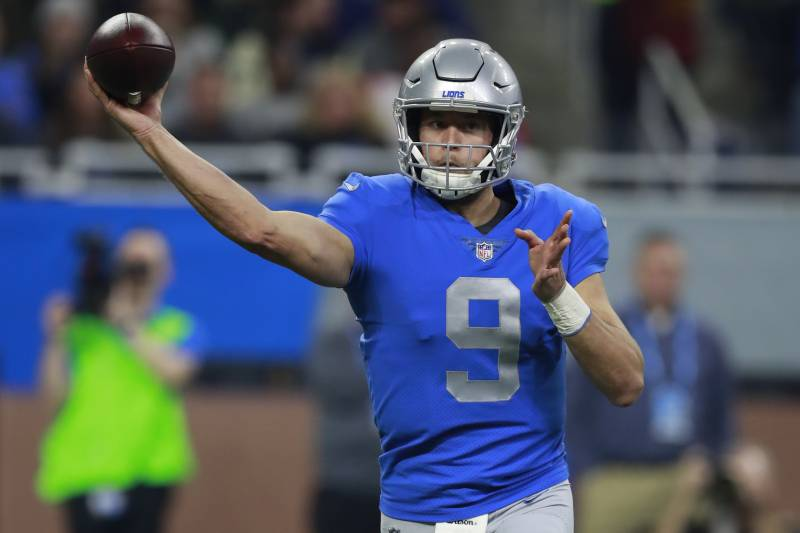 Detroit Lions quarterback Matthew Stafford (9) throws a pass against the Minnesota Vikings during