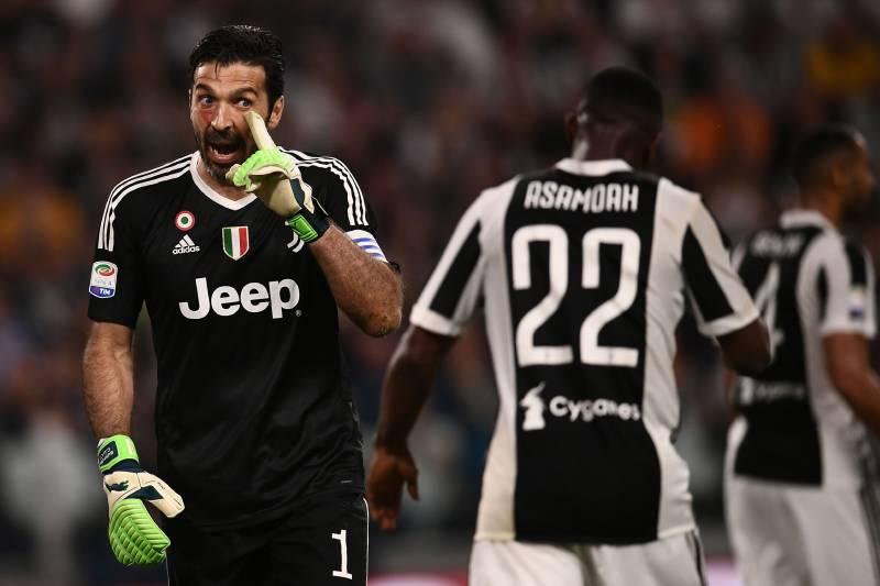 a18b15058 Gianluigi Buffon Denies Juventus Locker Room Bust-Up Rumours After Napoli  Loss