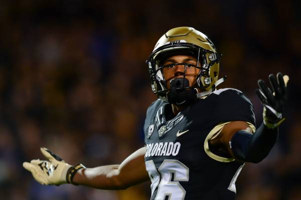 timeless design 8c740 29b31 Isaiah Oliver | Bleacher Report | Latest News, Videos and ...