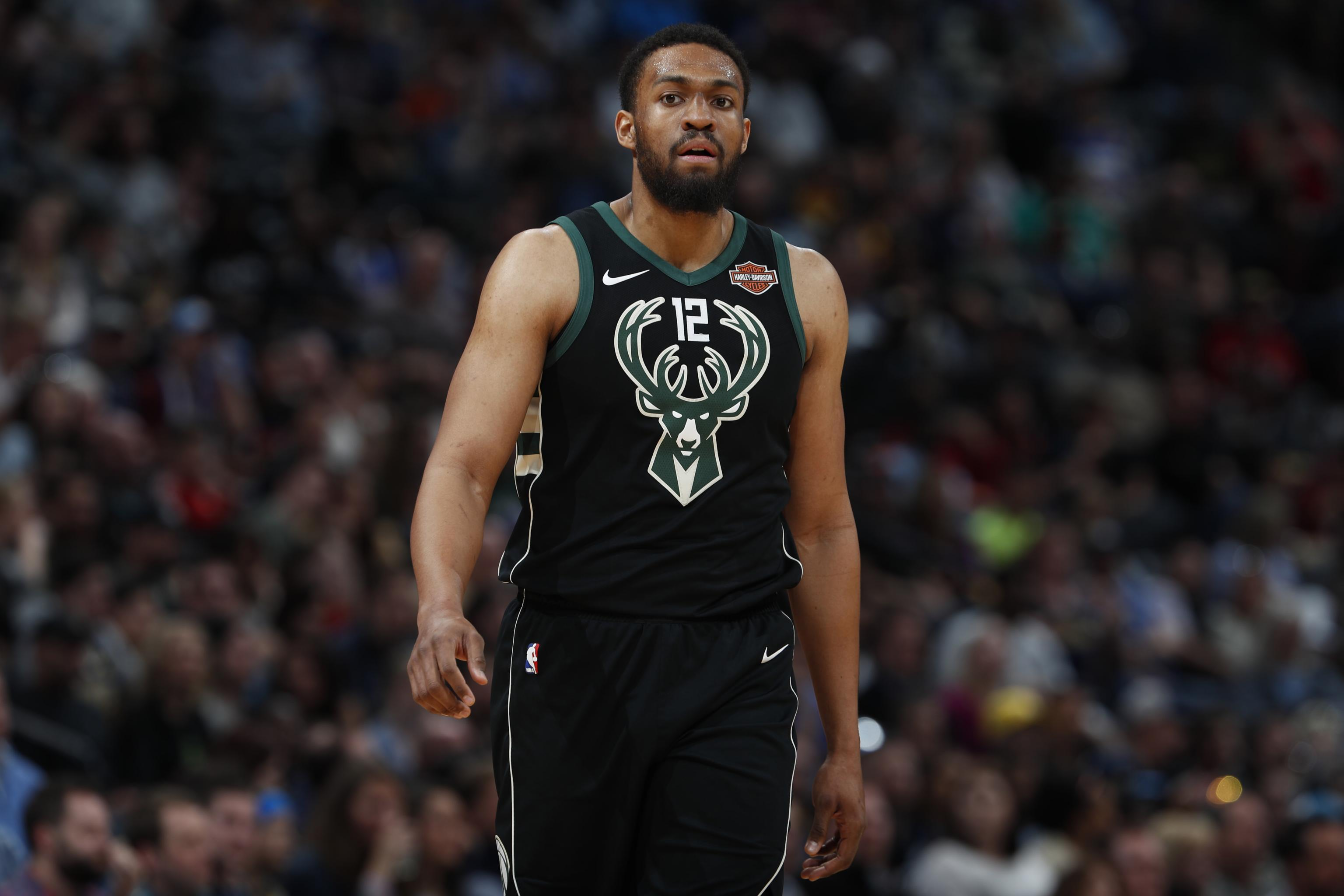 new product 4c599 912cf Jabari Parker, Bulls Agree to 2-Year Contract; Bucks Rescind ...