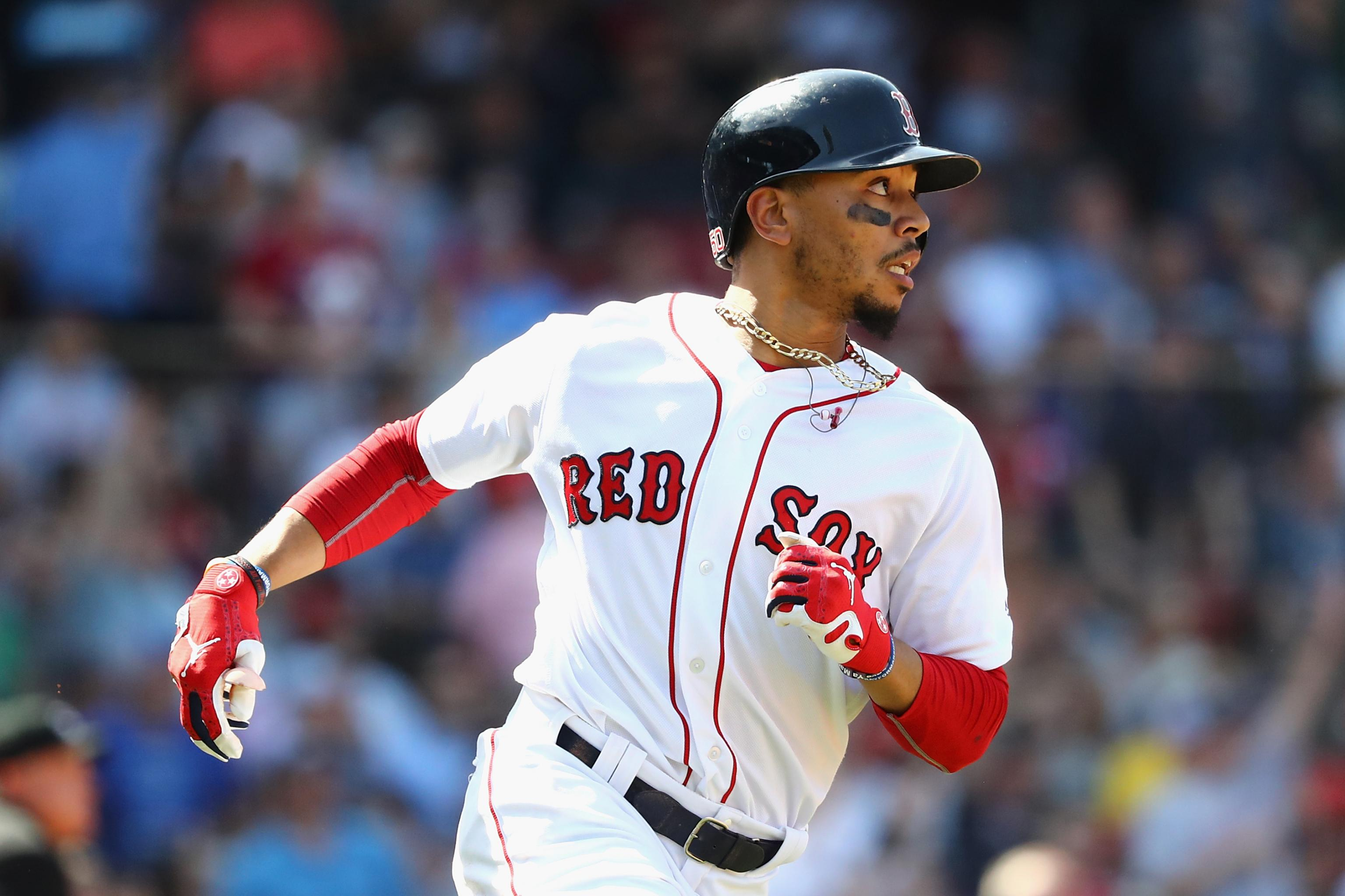 56c9edc79 Mookie Betts Has Become Mike Trout s Clone in Race for MLB s Best Player