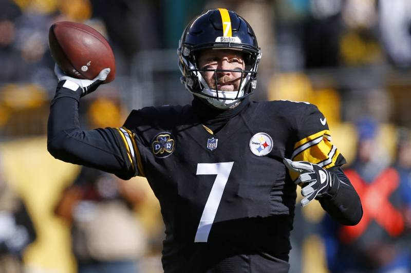 f956bcf27 Pittsburgh Steelers quarterback Ben Roethlisberger (7) throws a pass during  the first half of
