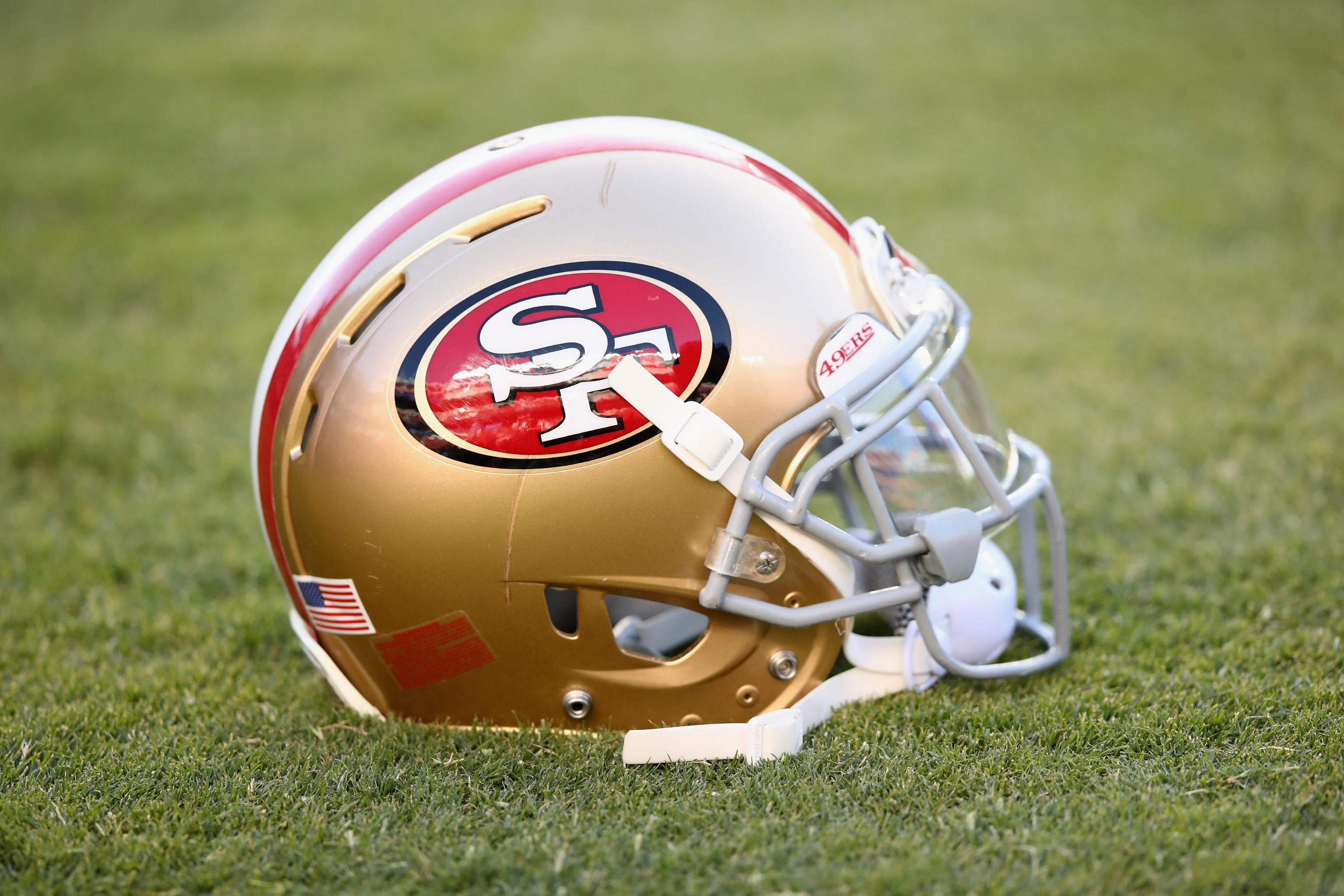 newest f0863 ae470 49ers Unveil New Throwback Alternate Uniforms for 2018 ...