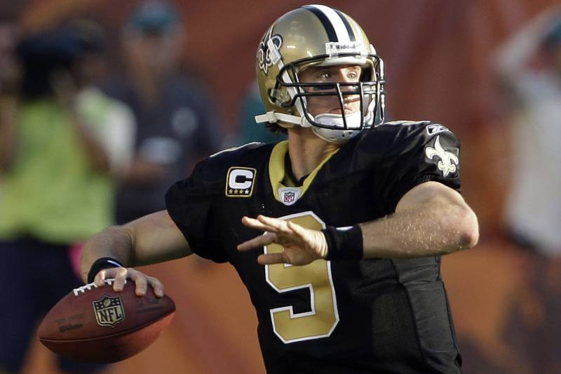 huge discount d7704 e698e Drew Brees Pays $264K for John Wooden Jersey to Display at ...