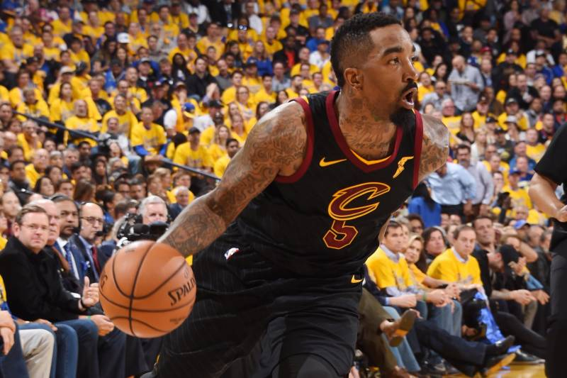83da70c36e08 JR Smith s Late-Game Clock Blunder in Game 1 Causes Twitter to Erupt ...