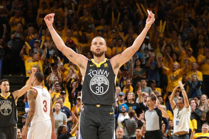 74b3ef3b96f9 Stephen Curry Reminding Cavs How Big a Missed Opportunity Game 1 Was ...