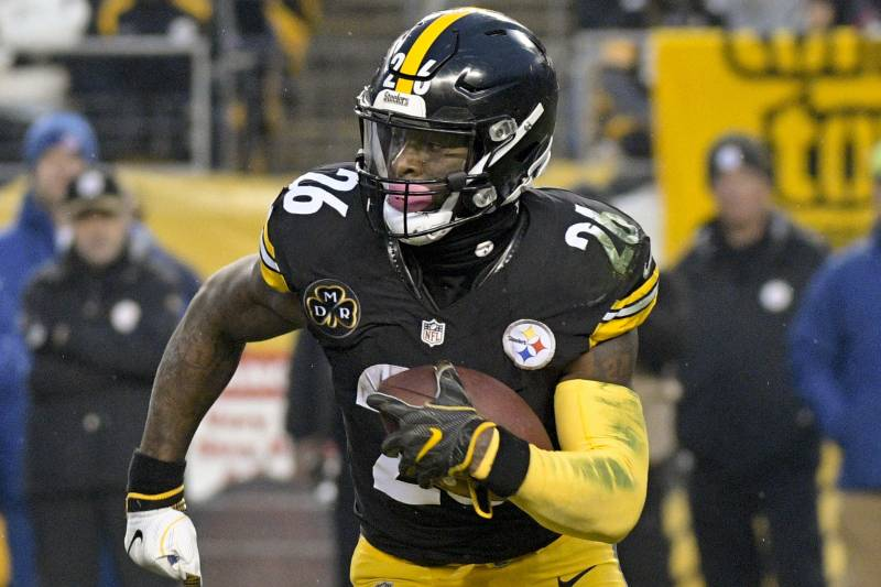6faf3980e104 Le Veon Bell Won t Sign Steelers Contract Worth Less Than  14.5M Per Season