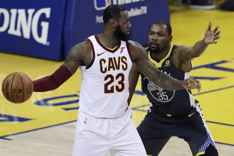 1f14be8d232a LeBron James Rumors  Superstar s Camp Denies Kevin Durant