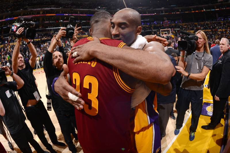 e2f28ac166a0 Lakers News  Kobe Bryant Welcomes LeBron James to LA on Twitter ...
