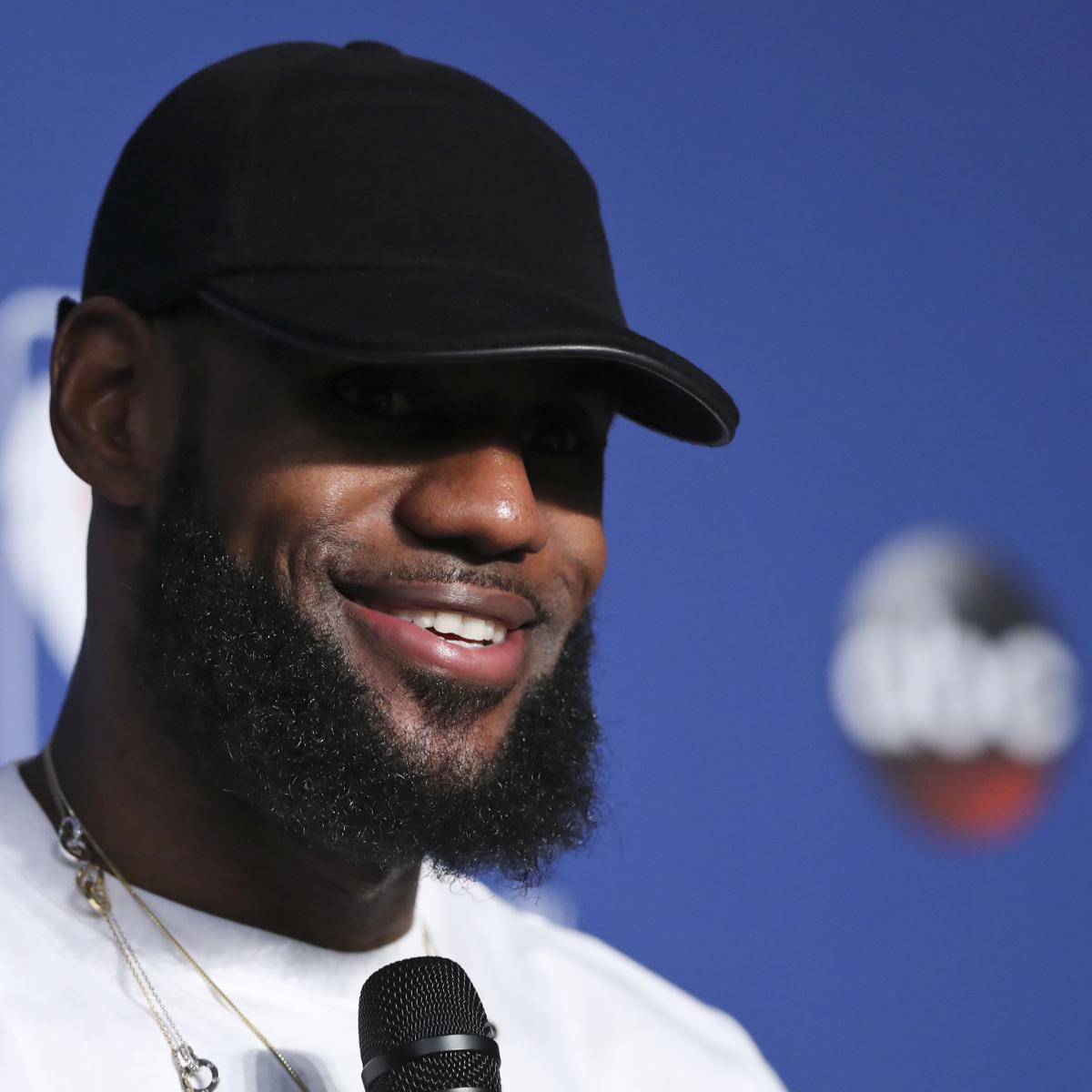 LeBron James 'King of LA' Mural Vandalized After Fan Offers Money to Alter It