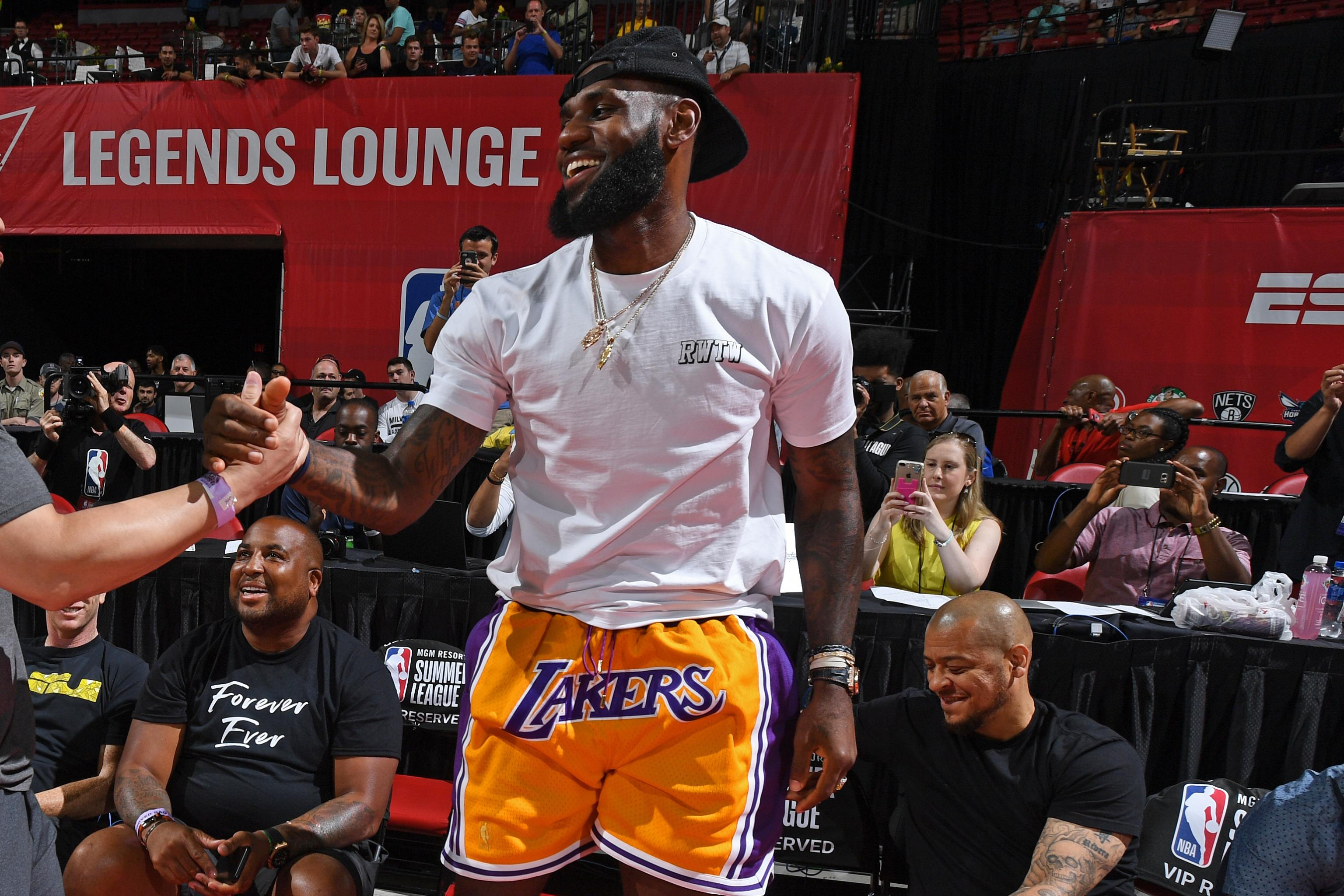 sports shoes e93a4 48be7 New LeBron James 'Showtime' Lakers Uniform Appears to Leak ...