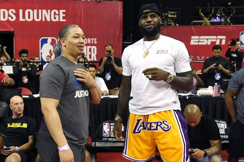 10211bf5b3e Lakers Rumors: Latest on LeBron James' Decision and Kawhi Leonard's Future