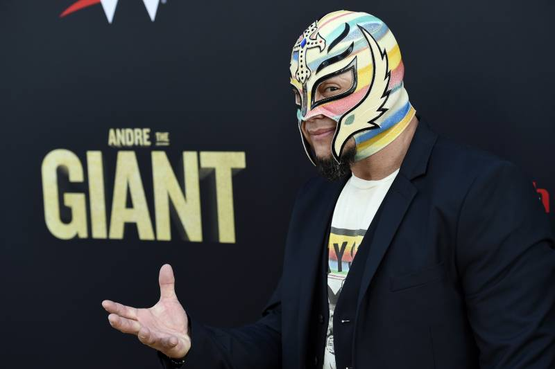 double coupon plus récent produit chaud Rey Mysterio Reportedly Targeting September Return to WWE ...