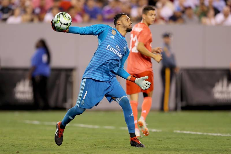 6f627687528 EAST RUTHERFORD, NJ - AUGUST 07: Keylor Navas #1 of Real Madrid clears