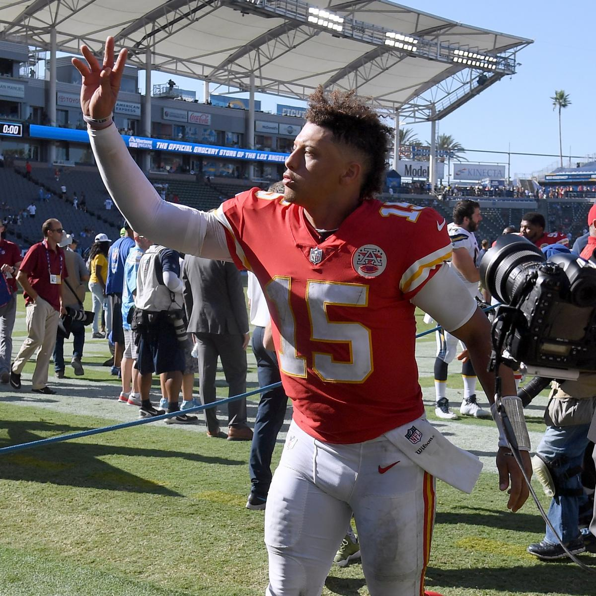 8f0942826dc Pat Mahomes, Tyreek Hill Are Taking over the NFL as Next Superstar Tandem