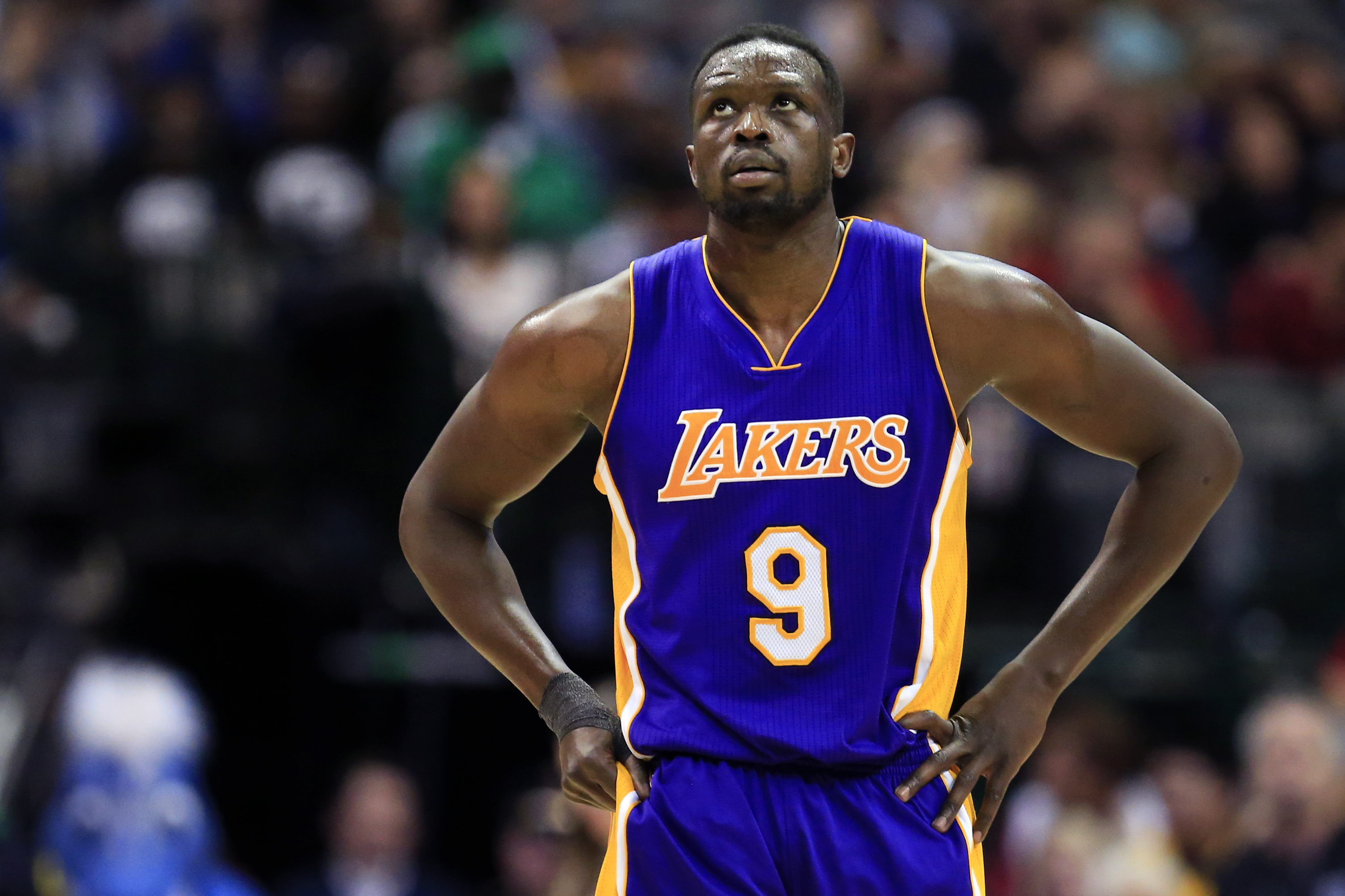 Luol Deng Rumors Fa Drawing Interest Still Expected To Sign With