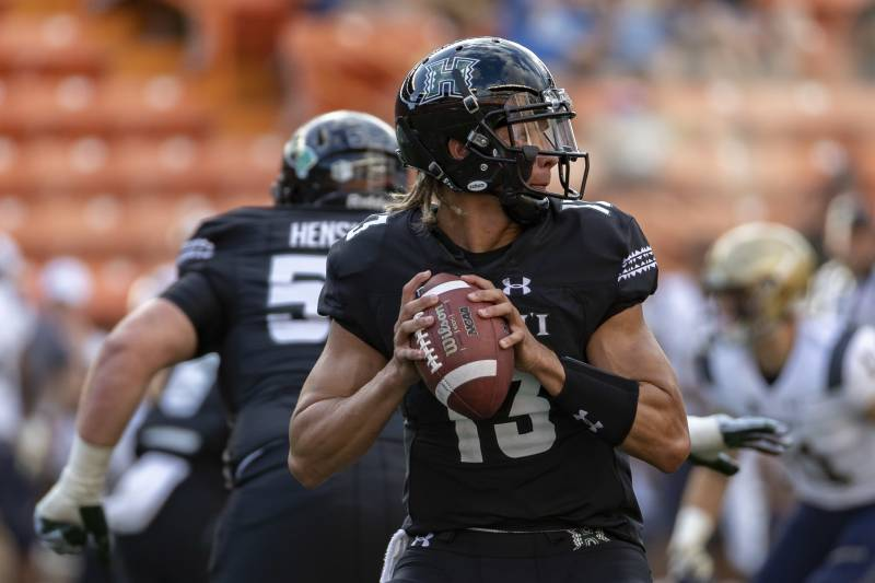 c88aee4f30 Adam Kramer on College Football  Meet the 2-Star QB Lighting It Up for  Hawaii