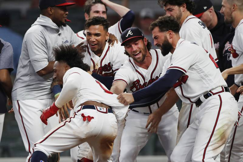 low priced da564 59171 Braves Clinch 2018 NL East Division Title with Win vs ...