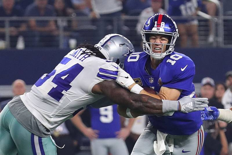 Eli Manning Porous O Line Are Sinking The New York Giants