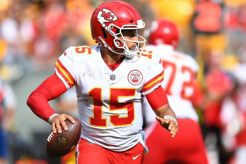cc23f66d138 PITTSBURGH, PA - SEPTEMBER 16: Patrick Mahomes #15 of the Kansas City Chiefs