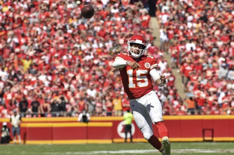 a9ef0022f Kansas City Chiefs quarterback Patrick Mahomes (15) throws a touchdown pass  to wide receiver