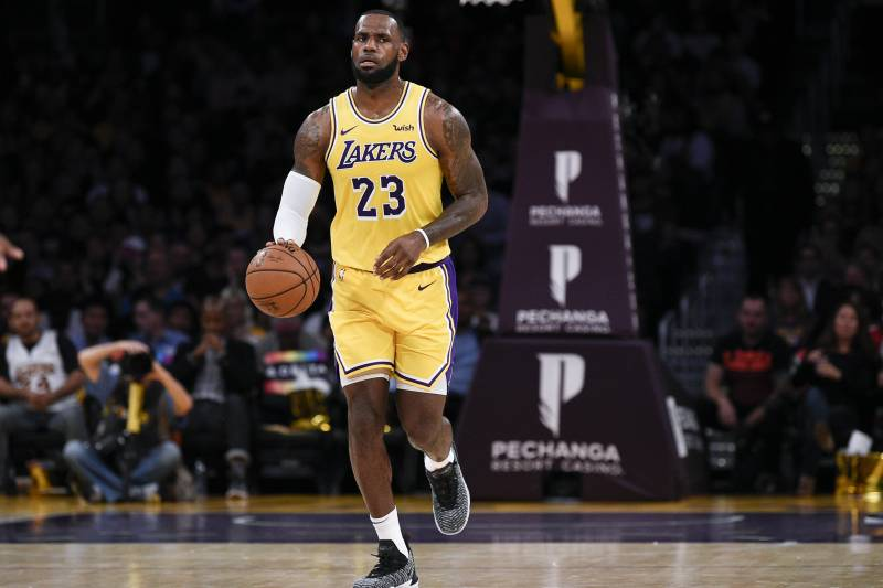 Lakers  LeBron James Passes Andre Miller for 10th on NBA All-Time Assist  List 58e981dac