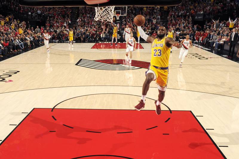 e24d84d6962 Lonzo Ball on LeBron James  Lakers Debut   2 of the Best 2 Plays I ve Ever  Seen