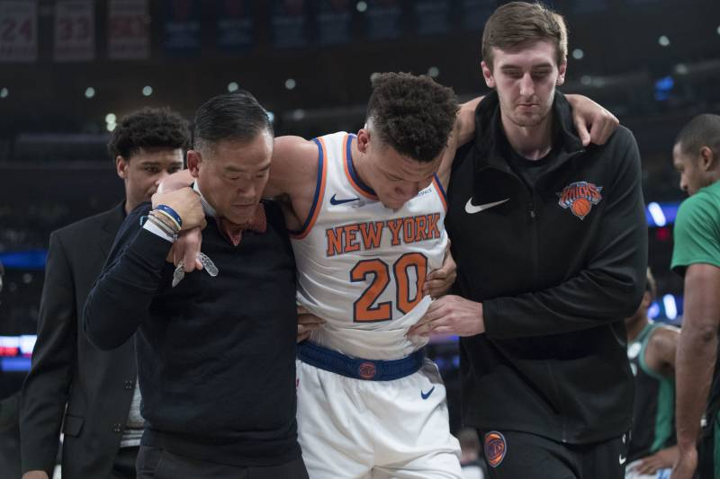 Knicks News Kevin Knox Wont Return Vs Clippers After Suffering