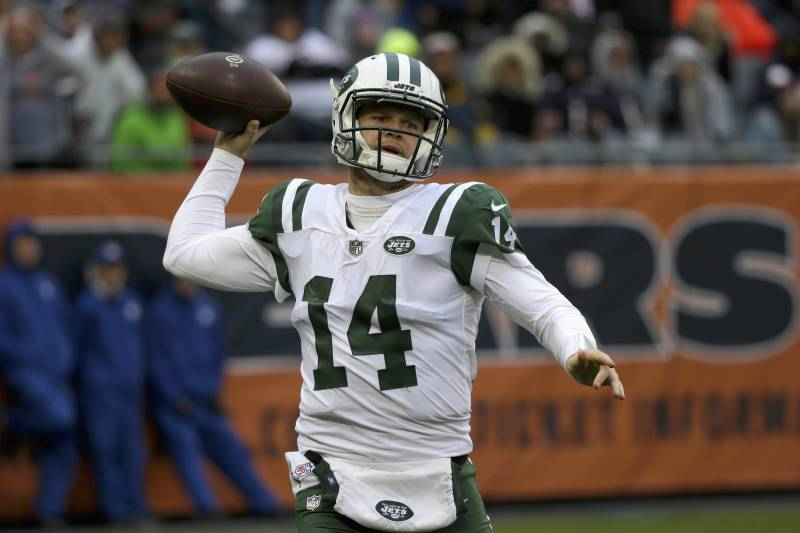 Sam Darnold Reportedly Won T Play Vs Bills In Walking Boot