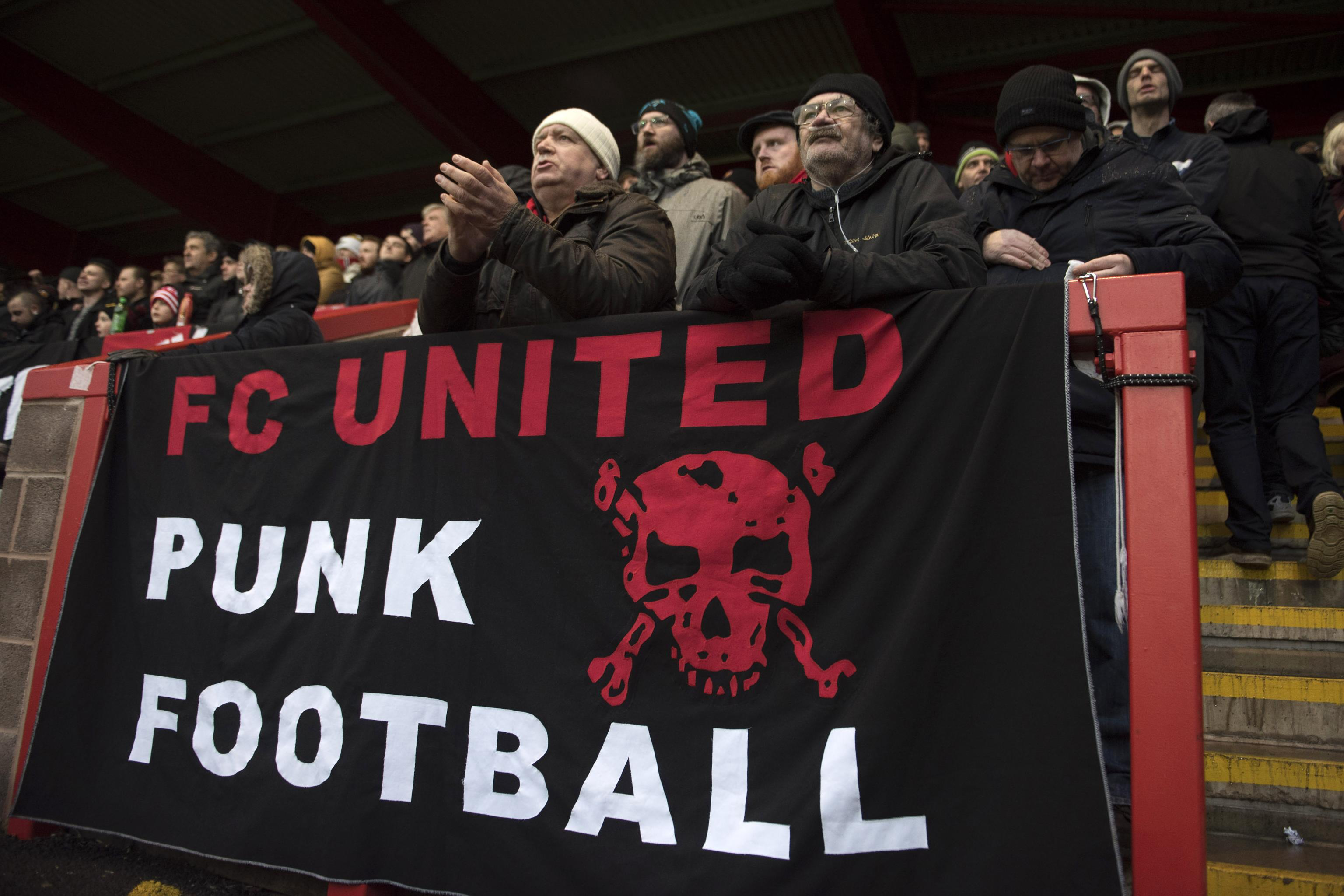 A Night With The Manchester United Fans Who Walked Away To Start Their Own Team Bleacher Report Latest News Videos And Highlights