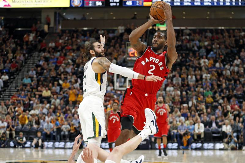 f775e27c3f79 Kawhi Leonard Rumors  NBA Execs Favor Clippers over Lakers to Sign Raptors  Star