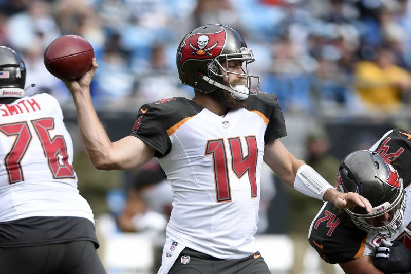 29afa54a Tampa Bay Buccaneers' Ryan Fitzpatrick (14) looks to pass against the Carolina  Panthers