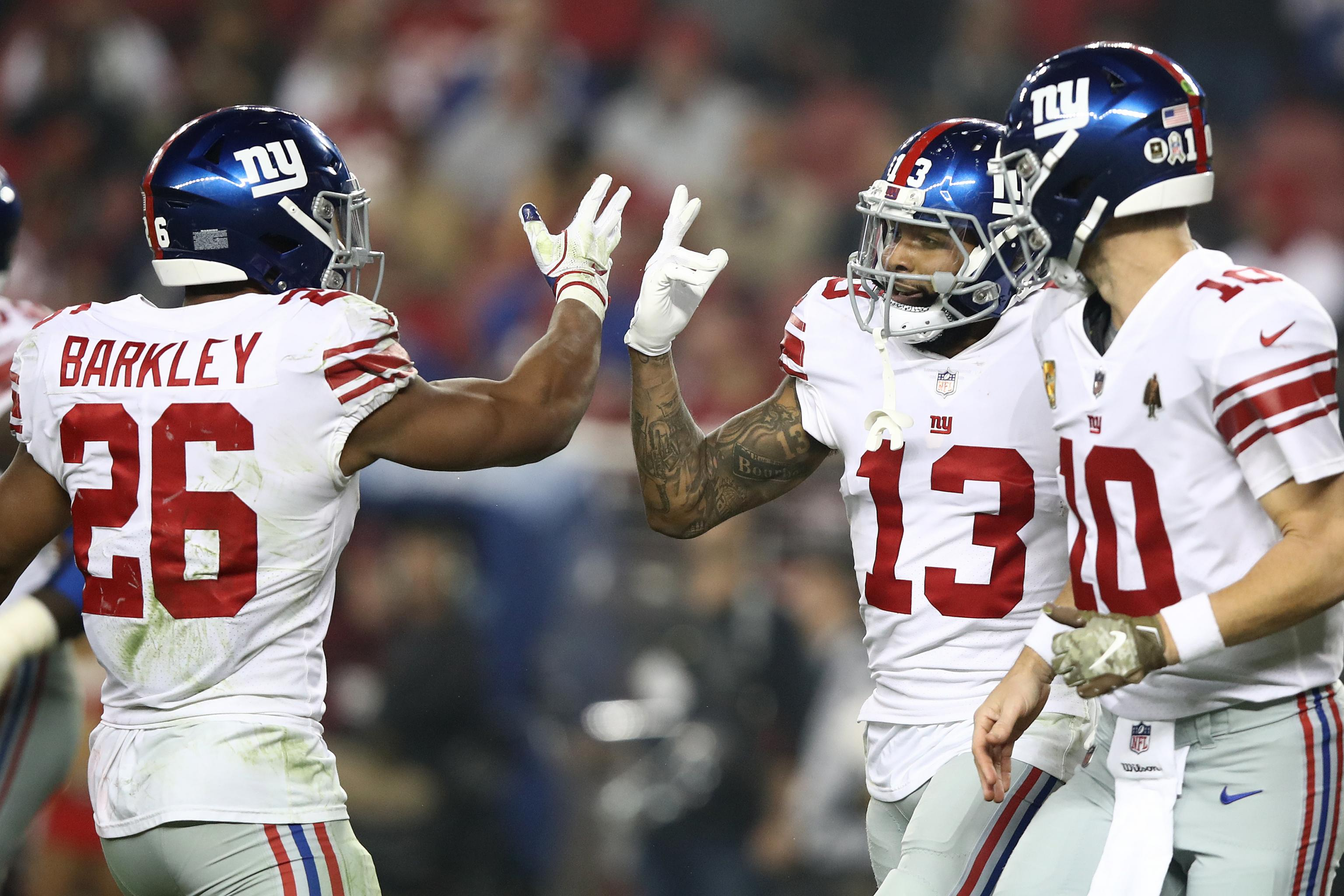 competitive price 09f66 1d4ab Eli Manning Engineers Last-Minute Comeback as Saquon Barkley ...