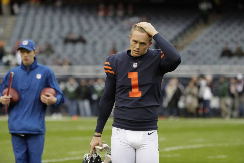 c95dc5d939b Chicago Bears kicker Cody Parkey (1) warms up before an NFL football game  against