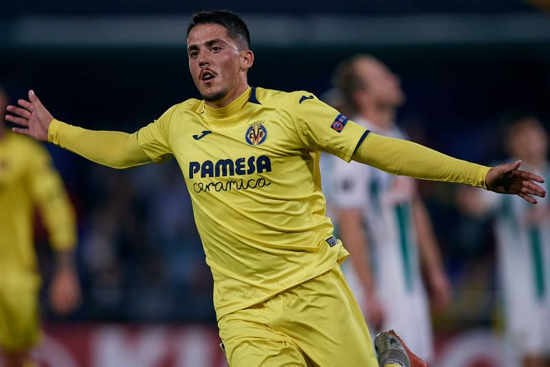 42ea176ae Barcelona Reportedly Consider Pablo Fornals Due to Frenkie de Jong  Competition
