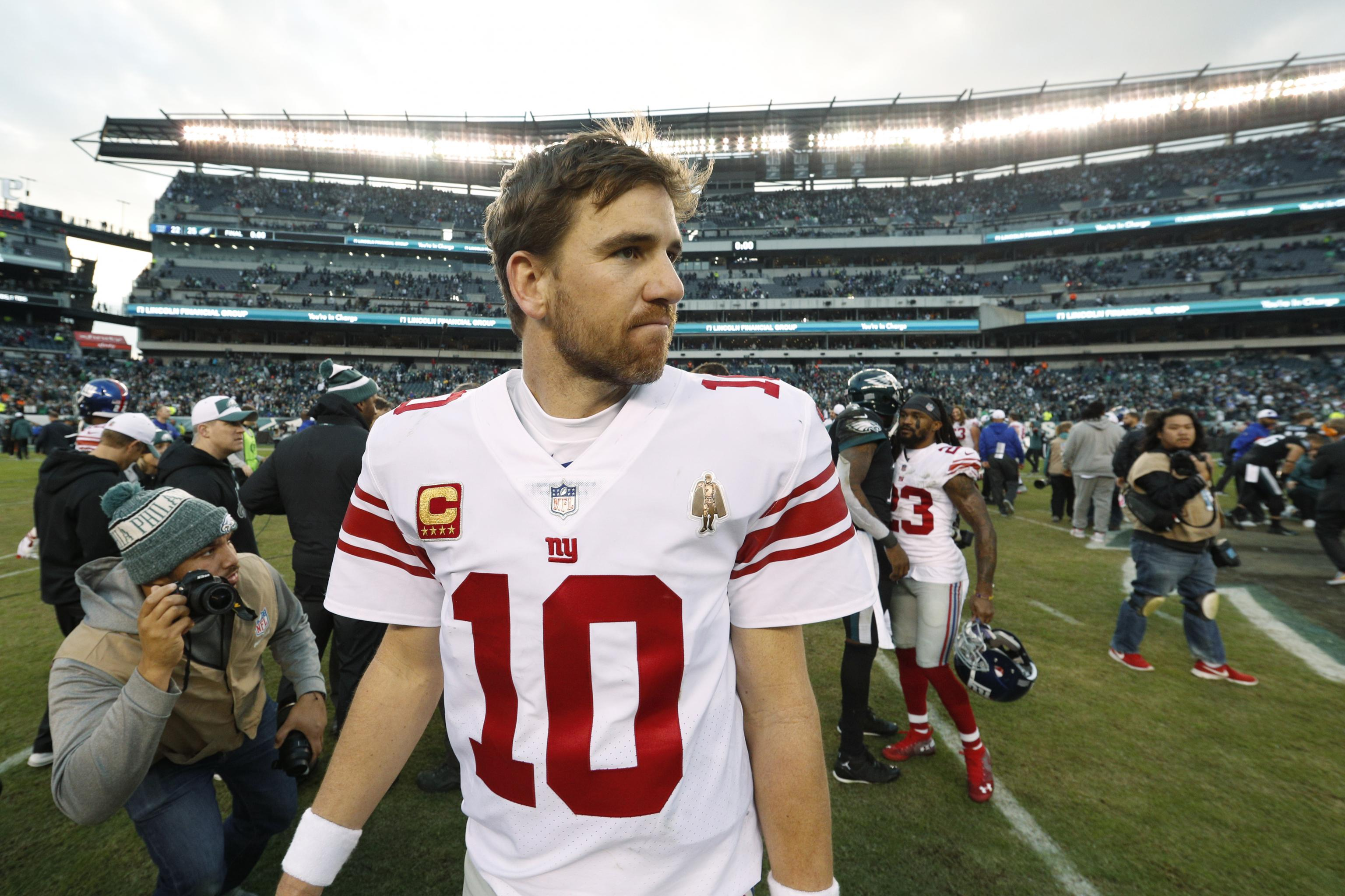 quality design 4b7d4 0d2c5 Giants Need to Bench Eli Manning...and Do It Right This Time ...