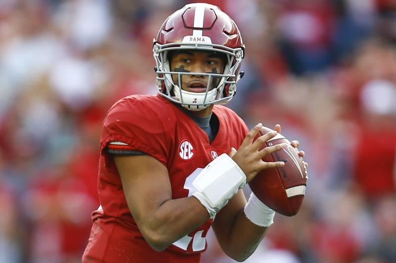 Alabama quarterback Tua Tagovailoa (13) throws a pass during the first half  of an 20a570b8081