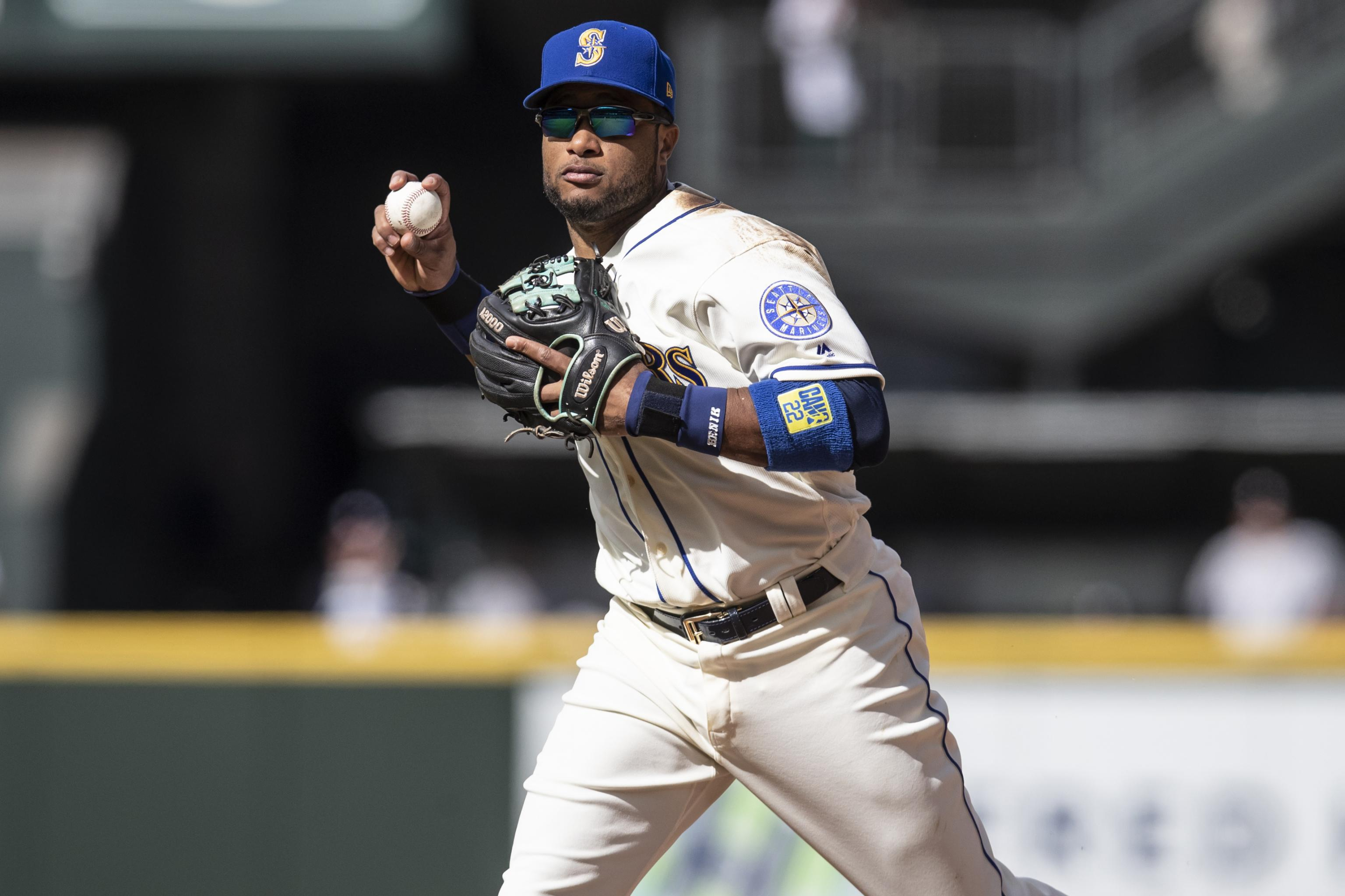 the best attitude d18f9 d8b26 Report: Mariners, Mets Close to Robinson Cano, Edwin Diaz ...