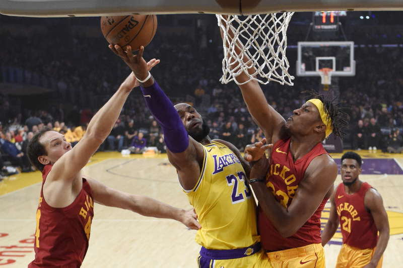 LeBron James Drops 38 as Lonzo Ball, Lakers Earn 104-96 Win over Pacers