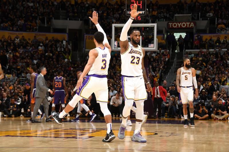 6b1b8cb195b LeBron James  22 Points Lead Lakers to Blowout Win vs. Deandre Ayton ...