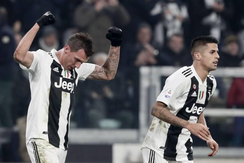 Mario Mandzukic Goal Sees Juventus Cristiano Ronaldo Past Inter In