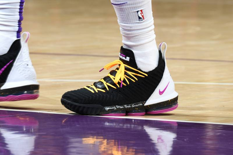 e99eafb180587 B R Kicks x NBA Nightly  LBJ Wears LeBron 16 PE